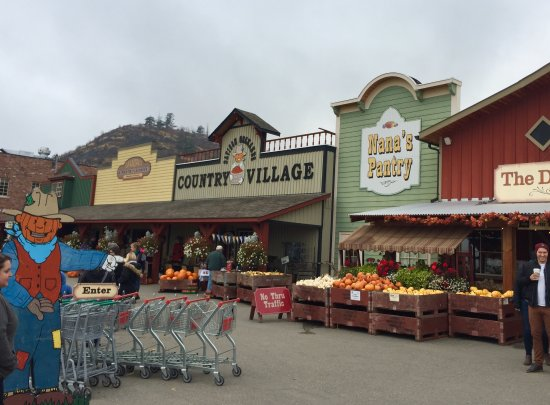 Vernon, Canada: Old Town Style Stores