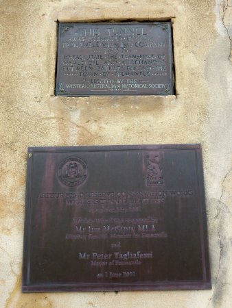The Fremantle Round House: Round House plaques
