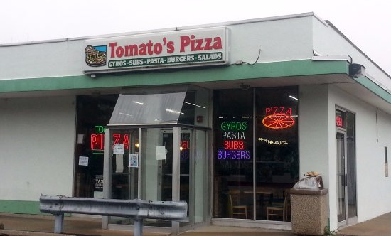Bensenville, IL: front of & entrance to Tomato's Pizza