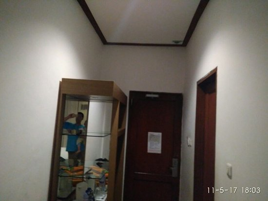 Tirtagangga Hotel: IMG_20171105_180356_large.jpg
