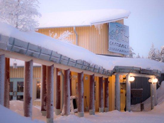 Salla, Finlandia: Reindeer Park's cafe and mainbuilding