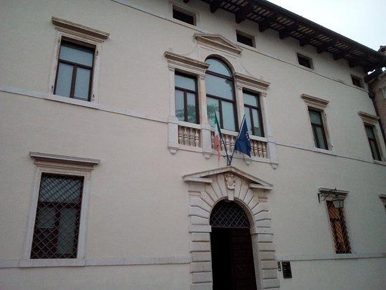 Spilimbergo, Italia:  Palazzo Tadea