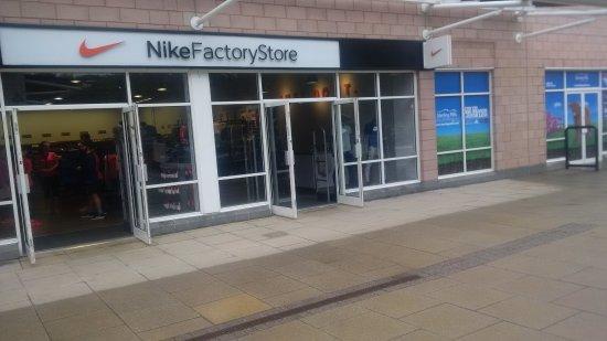 Tillicoultry, UK: Sterling Mills Outlet Shopping Village T
