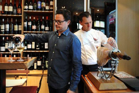 Puig & Daro : Cave à vins, Cave à jambon