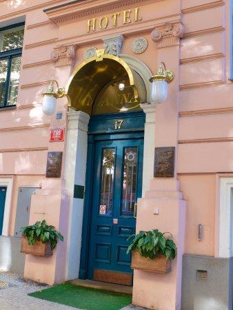 Anna Hotel: Entrata Hotel Anna