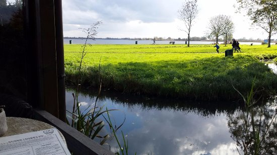 Reeuwijk, Belanda: View from our table outside on the terrace