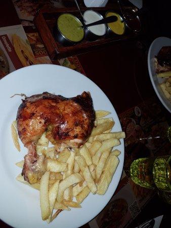 Los Toldos Chicken: Pollo a la brasa...deli!