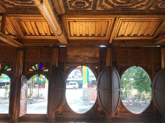 Shwe Yaunghwe Kyaung : photo2.jpg