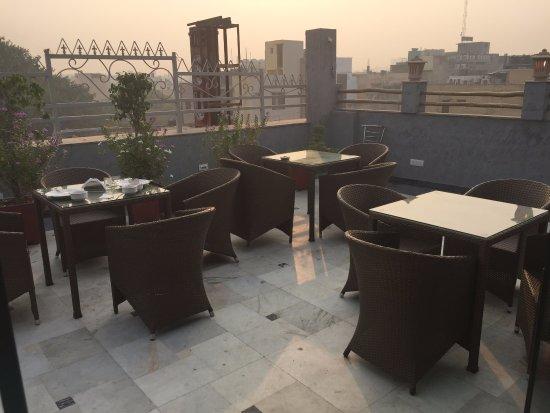 Suncourt Hotel Yatri: Rooftop