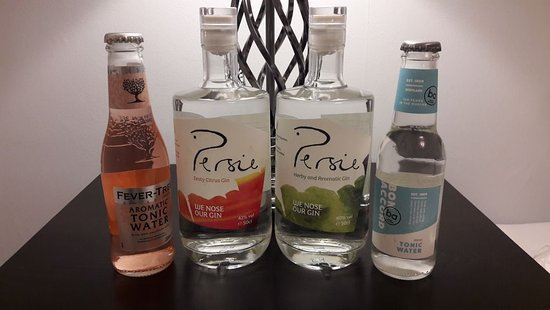 Bridge of Cally, UK: Zesty and Herby gin with mixers :-)