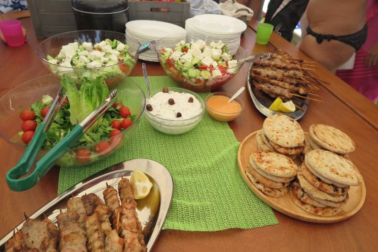 Pounta, Griekenland: Traditional greek food