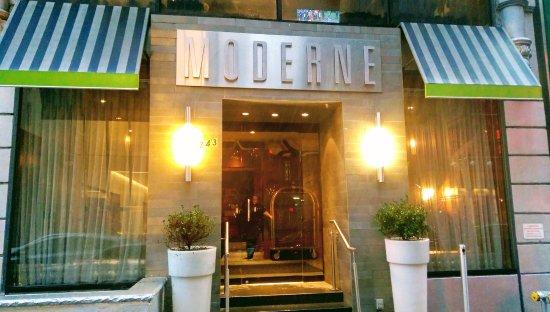 Moderne Hotel: Front van het hotel