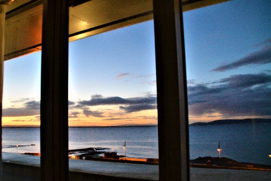 Salthill Hotel: Taken from the room in the evening.