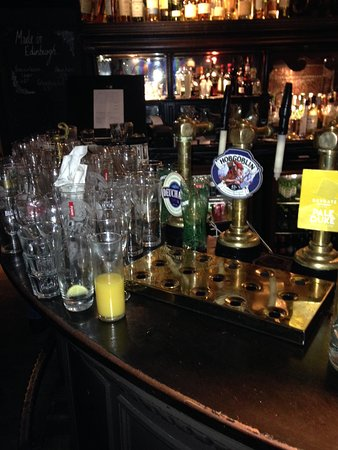 The sea of dirty glasses eventually extended to fill the empty space in the foreground