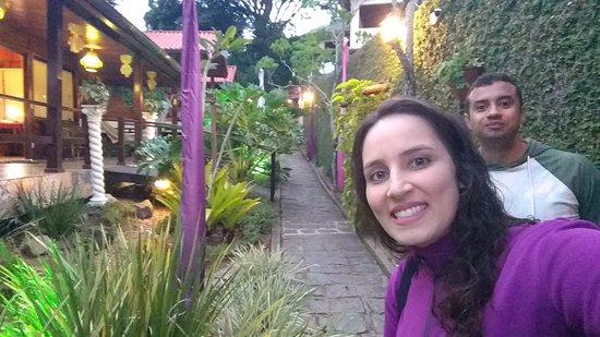 Aratinga Inn: Corredor de entrada