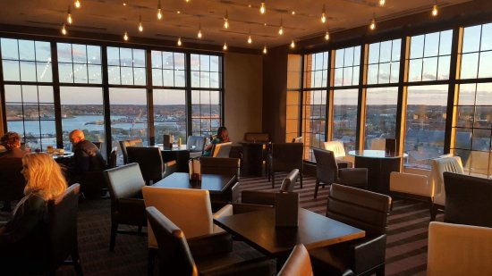 The Westin Portland Harborview: View over downtown and Harbor from rooftop bar and lounge.