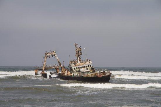 Hentiesbaai, Namibia: Zeila in de golven