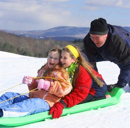 Lyndonville, VT: The sledding hill at the Wildflower Inn