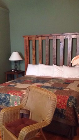 Tellico Plains, TN: This is the best place to stay when visiting this area