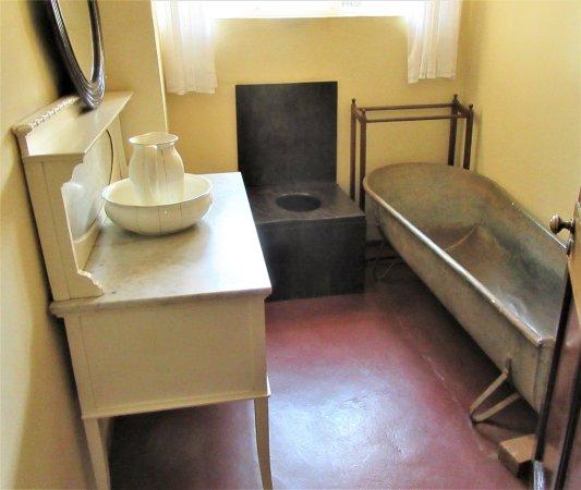 The bathroom in the Karen Blixen Museum.