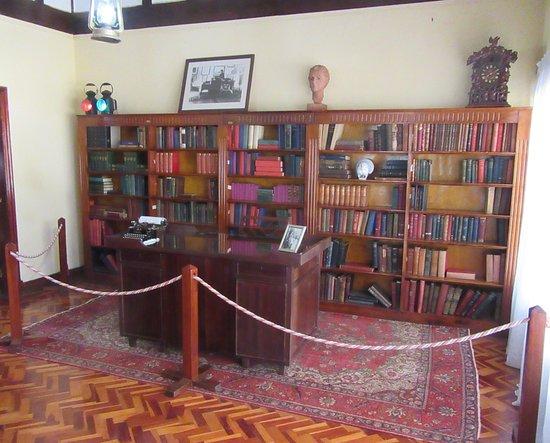 The library in the Karen Blixen Museum.