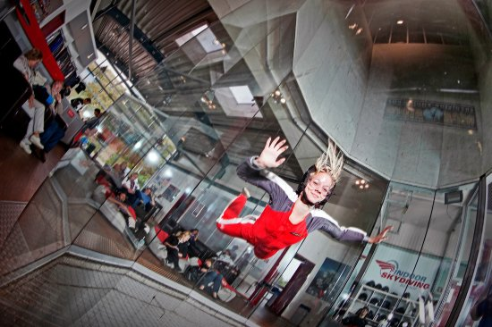 ‪Indoor Skydiving Bottrop‬
