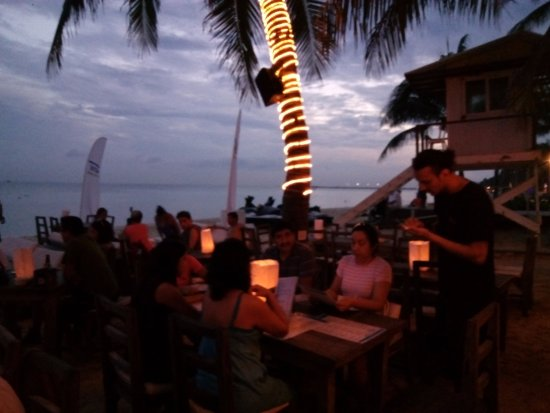 Zenzi Beach Bar & Restaurant: ambiente agradable