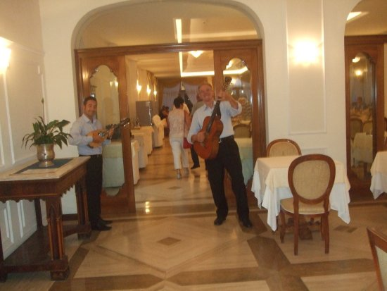 Grand Hotel Hermitage & Villa Romita: An exquisite mandolin and guitar to entertain