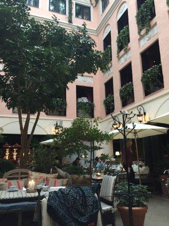 MJ's Hotel: photo4.jpg