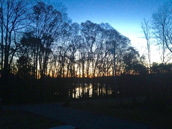 Smith Mountain Lake: Sunrise