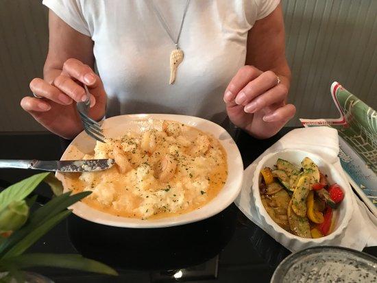 Rolling River Bistro: Shrimp & grits