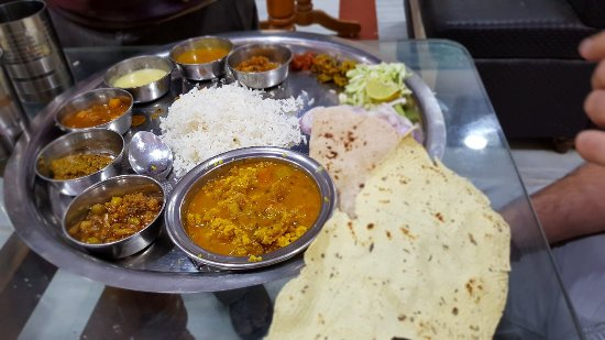 Maharaja Restaurant: Excellent Thali! One of the best