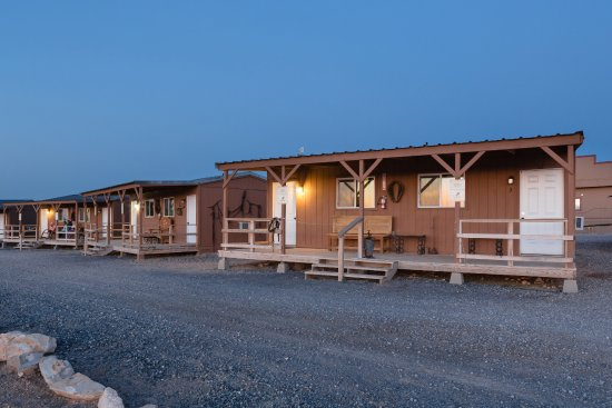 Hualapai Ranch: Exterior View of Cabins