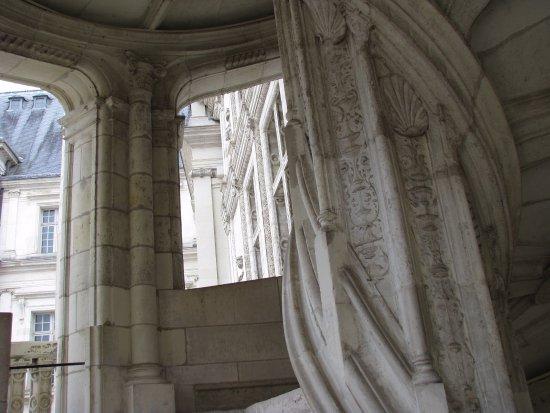 l\'intérieur de l\'escalier à vis - Bild von Chateau Royal de Blois ...