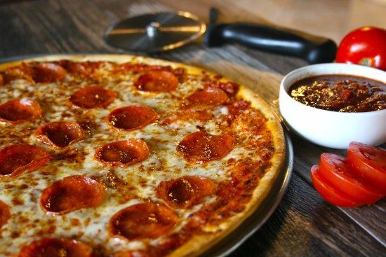 Leawood, KS: Thin crust pizzas