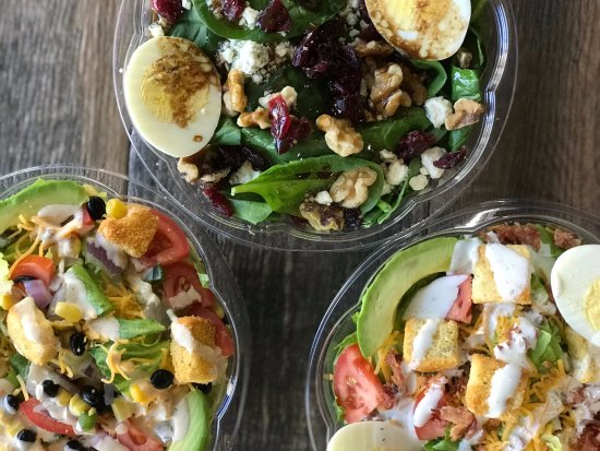 Pickleman's Gourmet Cafe: Fresh-chopped, made-to-order salads!