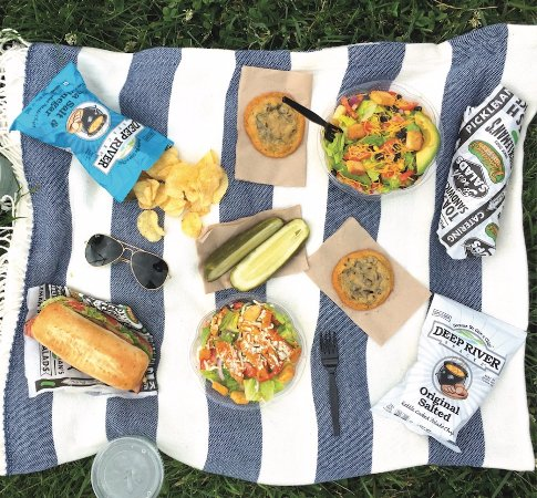 Pickleman's Gourmet Cafe: Make it a Pickleman's Picnic.