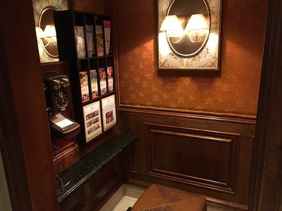 The Rose Hotel: photo0.jpg