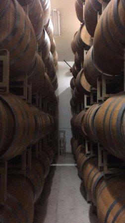 เยานต์วิลล์, แคลิฟอร์เนีย: Wine barrels