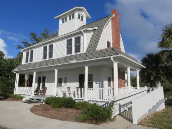Canaveral National Seashore: Eldora State House museum in the middle of the woods