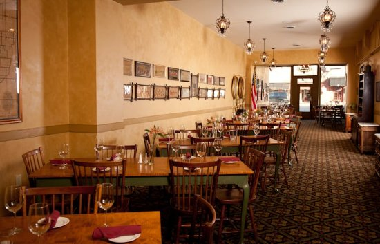 Lebanon, OH: The Golden Lamb Restaurant Dining Room