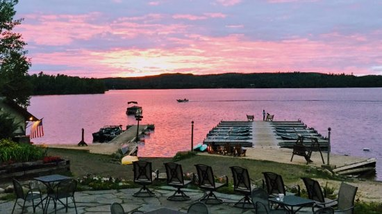 Justine's at the Gunflint Lodge: Sunset On The Patio