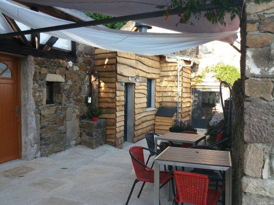 Juillac, France: Terrasse