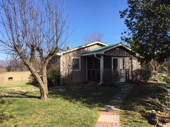 Piney Hill Bed & Breakfast: Rosebud Private Cottage