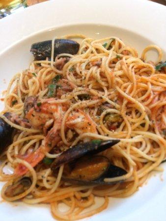 Quattro: Seafood linguine