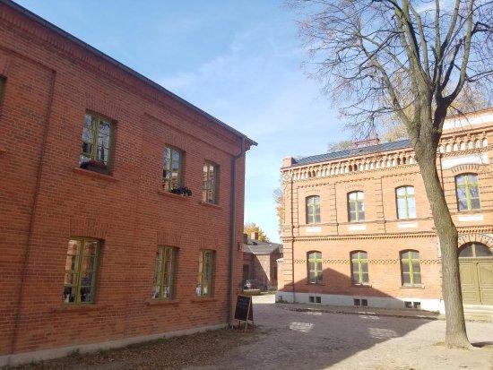 Ksiezy Mlyn : Odnowione budynki