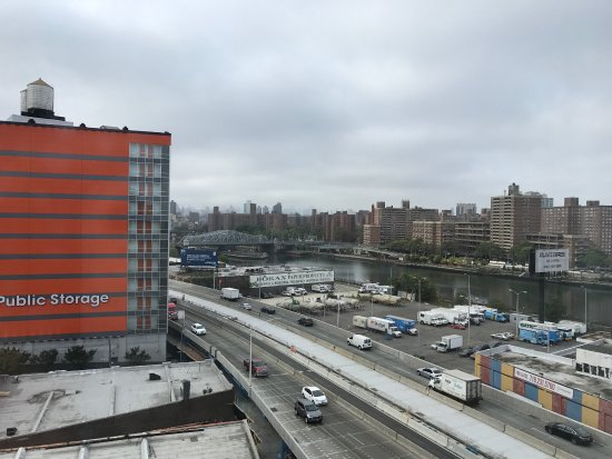 picture of holiday inn express bronx nyc
