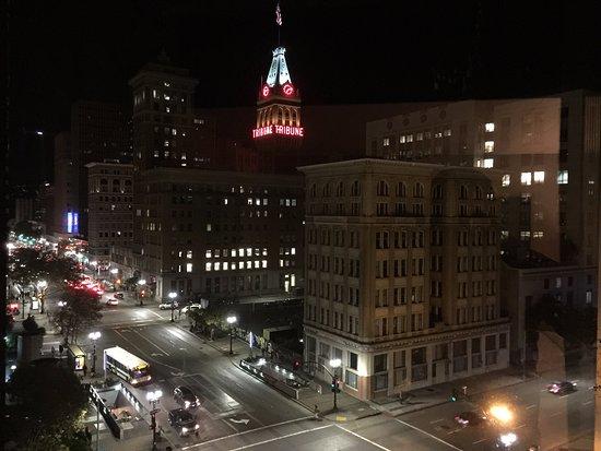 Oakland Marriott City Center: Seventh Floor City View.
