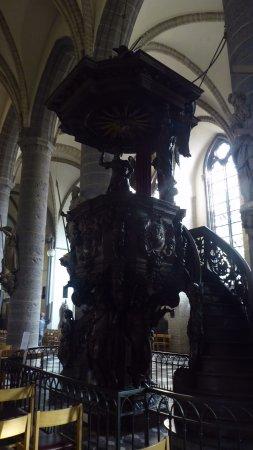 Saint Martin's Church: Carved pulpit
