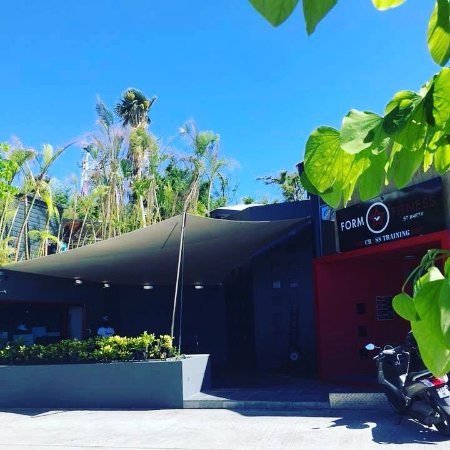 Gustavia, Saint-Barthélemy: The new POP UP STORE  Pasha St Barth  at Form fitness in LURIN